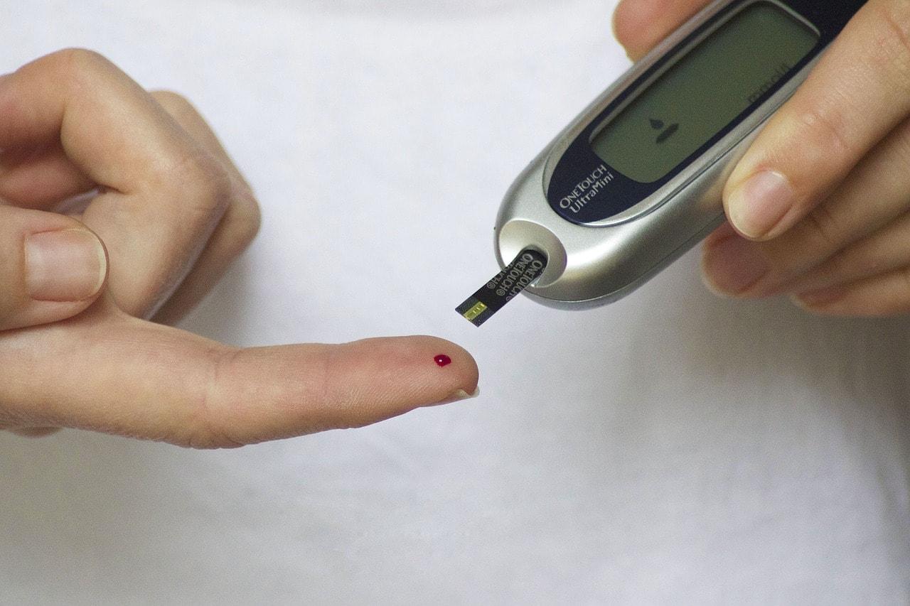 mecanismo de daño ocular naranja por diabetes
